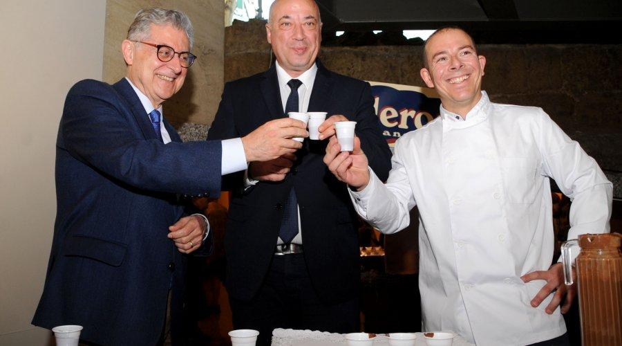 Antonio Ruiz ensalza el chocolate de Galleros de Rute como pilar para el desarrollo social y económico de la localidad