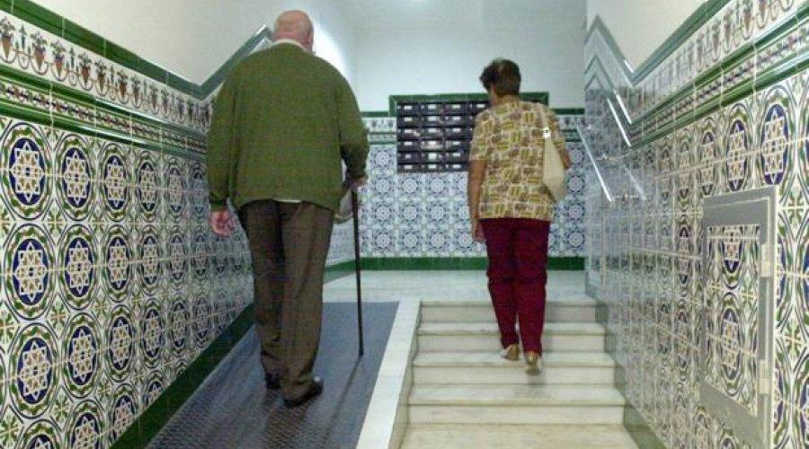 La Junta de Andalucía facilita la accesibilidad de más de 340 viviendas cordobesas con personas mayores o discapacidad