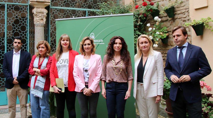 La Junta de Andalucía anuncia una nueva línea de subvenciones en  formación contra violencia de género para profesionales