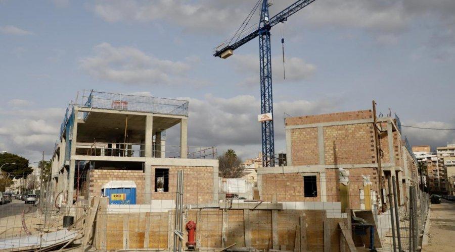 Sindicatos y patronal acuerdan aplicar la jornada intensiva en la construcción mientras dure el estado de alarma
