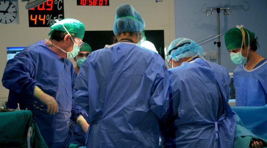 El Hospital Reina Sofía volverá a registrar su actividad quirúrgica habitual en junio