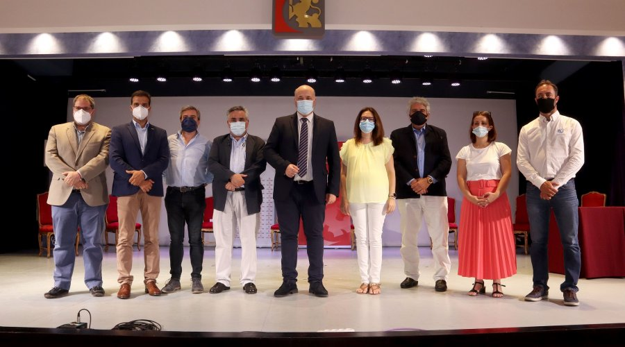 Diputación de Córdoba firma el acuerdo de colaboración entre EMCOTUR y los colectivos turísticos de la provincia