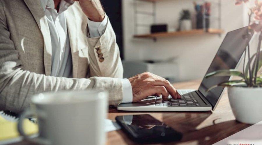Empleo aprobará incentivos de hasta 6.600 euros para contratos indefinidos que incluyan parte de la jornada en teletrabajo