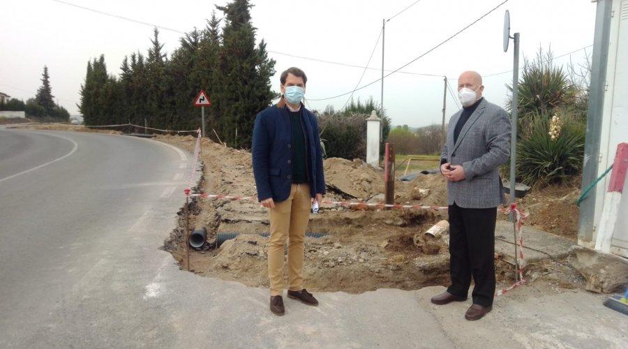 El Ayuntamiento invertirá más de 280.000 euros para la construcción de un acerado junto a la piscina climatizada