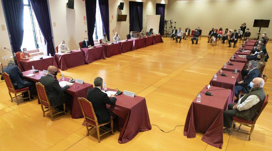 La Diputación de Córdoba conoce los proyectos presentados por ocho comunidades de regantes de la provincia